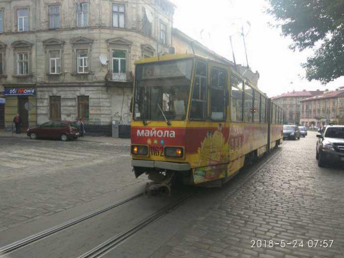 На Шевченка зламався трамвай. Фото Варта-1