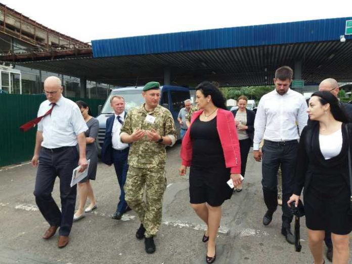 Климпуш-Цинцадзе відвідала пункт пропуску «Ужгород»