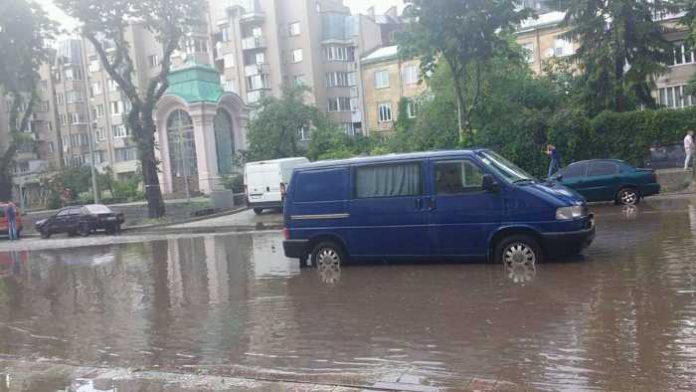 затопило Личаківську