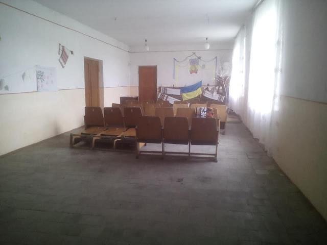 На Львівщині невідомі особи пробрались у місцевий народний дім і вчинили безлад