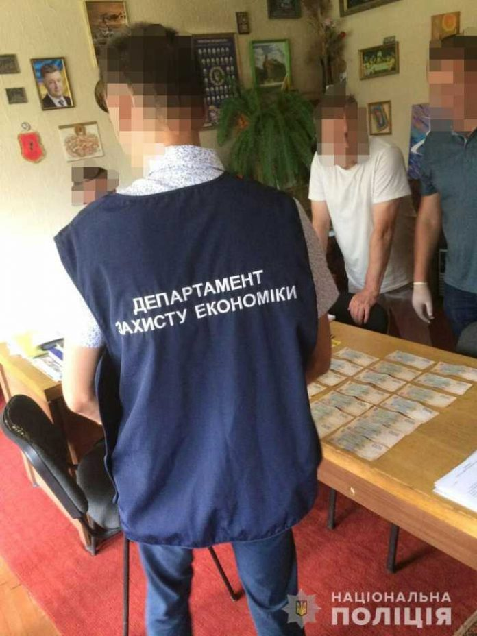 На Львівщині затримали директора Палацу культури під час отримання неправомірної вигоди