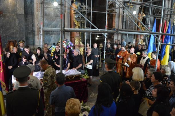 Львівщина прощається із загиблим Героєм Олегом Кремезом