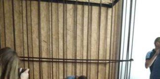 П'яний поліцейський, який збив двох скутеристів, залишиться під вартою без права на заставу