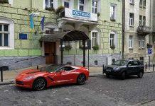 У Львові зафіксували елітну автівку