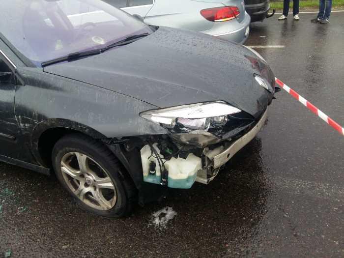 Через «Краківець» в Україну намагався прорватися автомобіль, позбивавши шлагбауми
