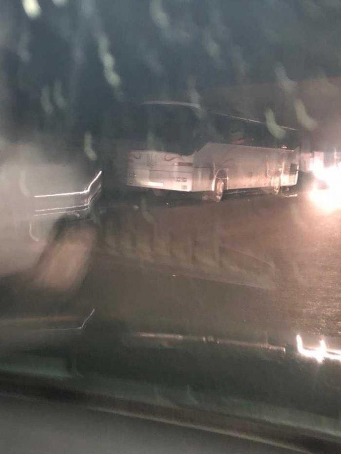 Автобуси, якими звозили людей на зустріч із Тимошенко у Самбір. Фото Кулемет