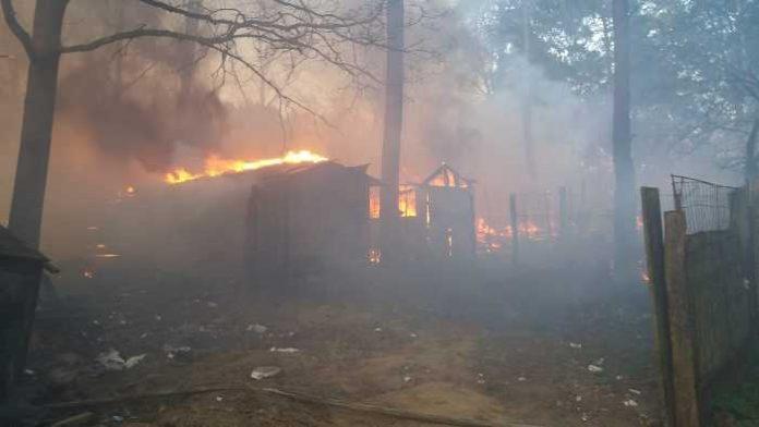 Пожежа у Новояворівську. Фото - спільнота