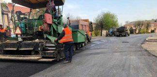 На Львівщині тривають ремонтні роботи на автомобільних дорогах загального користування