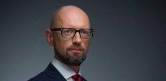 Яценюк: Дефолт – це клінічна смерть економіки