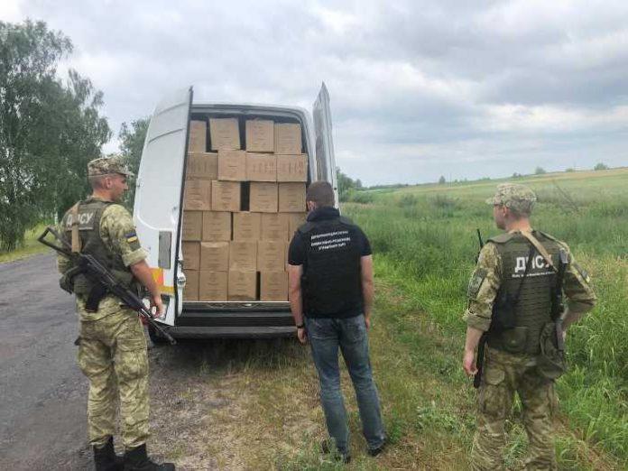 На Волині ліквідовано канал контрабанди тютюнових виробів до Польщі