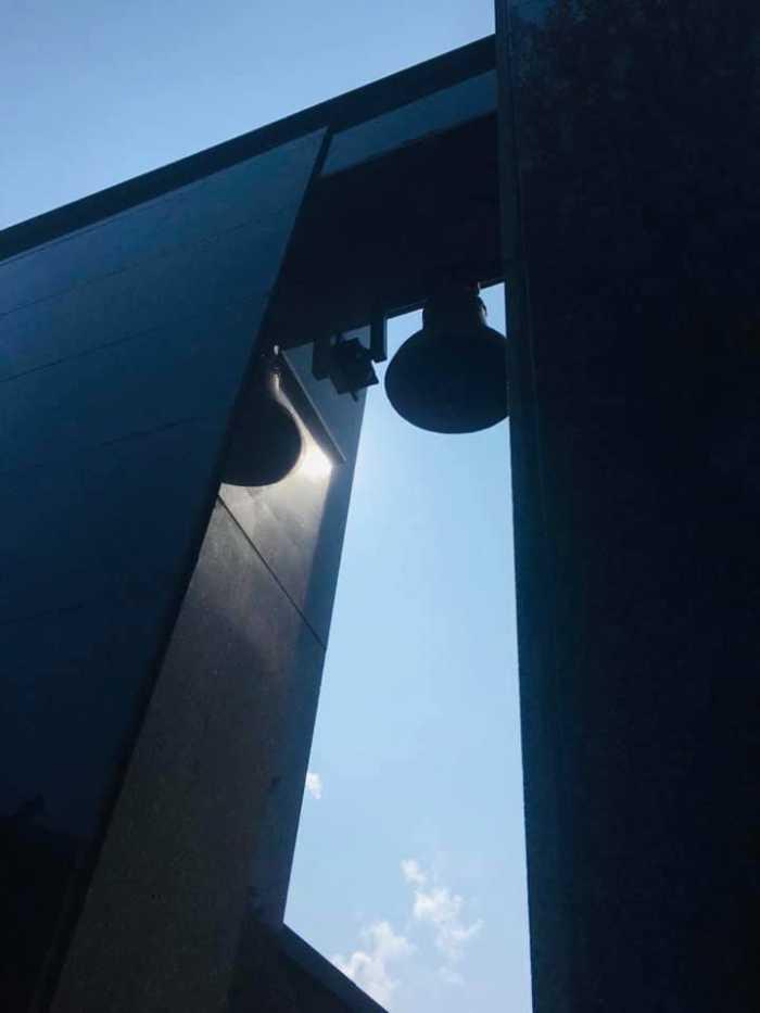 На Меморіалі жертв репресій комуністичного режиму відкрили та освятили «Дзвін Пам'яті». Фото Олег Синютка