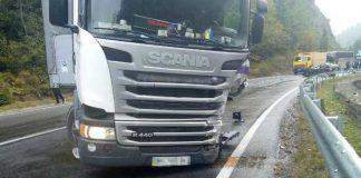 На Сколівщині у жахливій аварії загинув водій автомобіля. Фото Варта-1