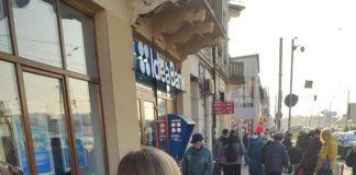 У Львові скаржаться на стихійний ринок на Городоцькій. Фото: Andrii Perepichka.